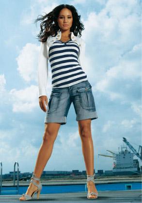 2530c1a70 Sáhněte po těchto báječných džínových bermudách z OTTO kolekce. Jen pár  centimetrů luxusní džínoviny a vaše božské nohy!