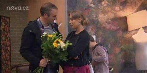 Seriál Ulice  Anču a Petra pohltí vášeň d0eb5085c1