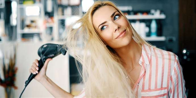 Elektrizují vám vlasy  Víme 76278b1ad9