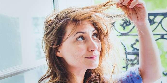 Máte zplihlé vlasy bez objemu  Možná děláte jednu z těchto chyb ... 6807fddb2cf
